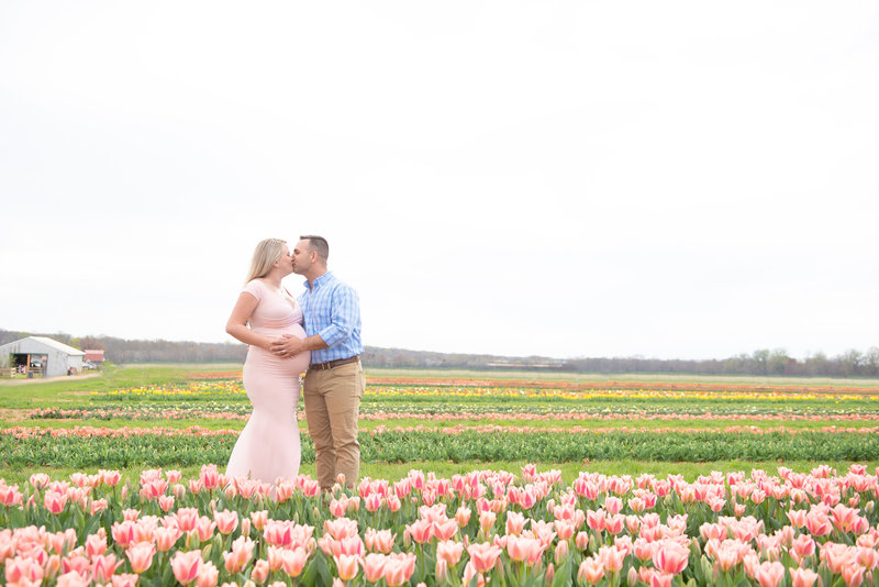 rachel-sean-spring-maternity-session-holland-ridhe-farms-imagery-by-marianne-2019-19
