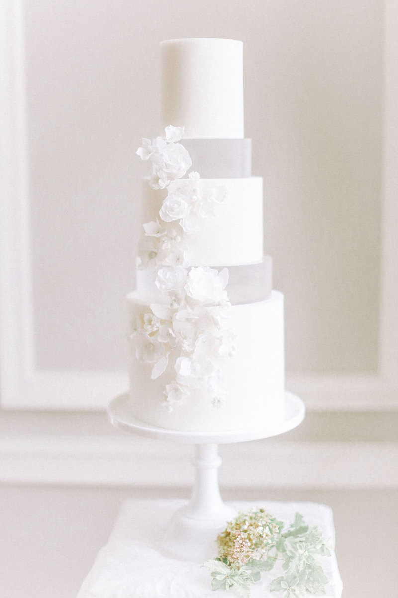 Modern Ivory Wedding Cake Design | UK Wedding Planner
