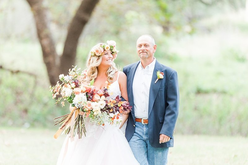 Intimate wedding in Utopia Texas Hill Country Wedding Venue photos by Allison Jeffers Photography_0025