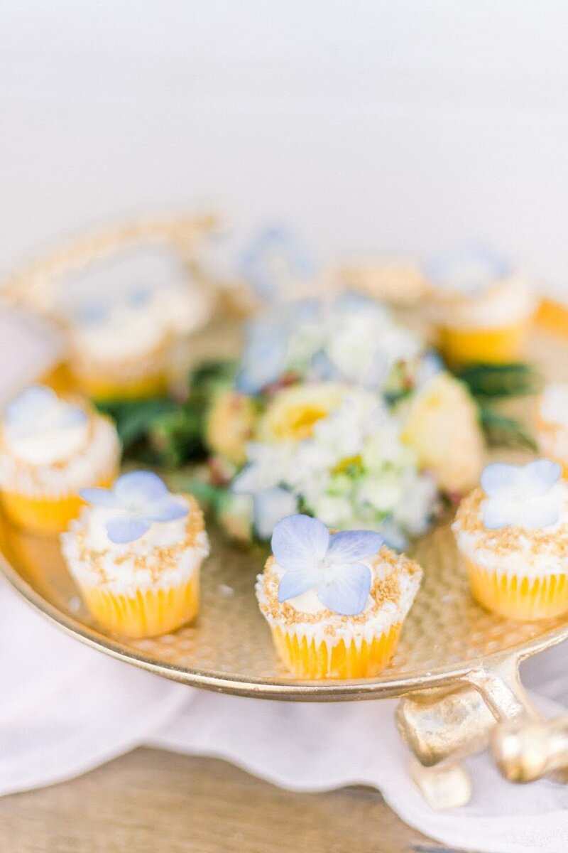 not-jess-a-planner-wedding-dessert