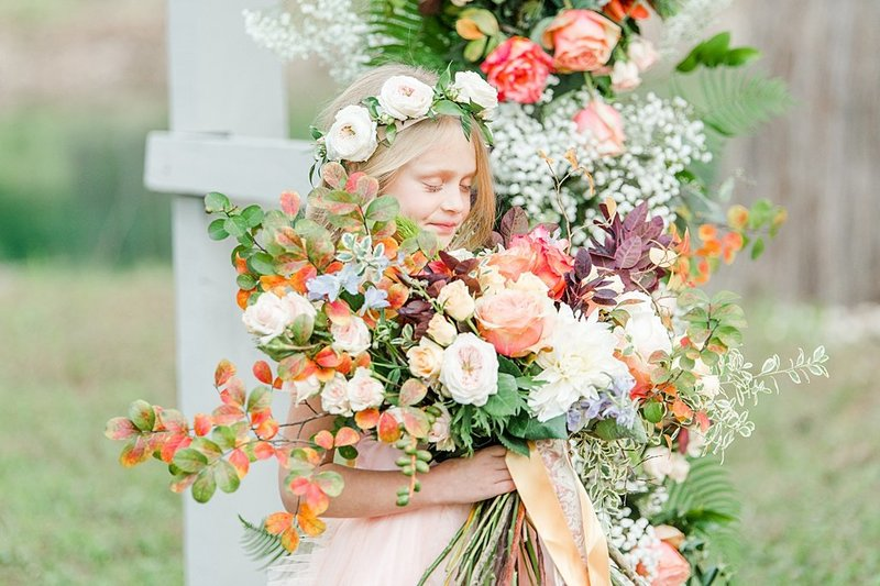 Intimate wedding in Utopia Texas Hill Country Wedding Venue photos by Allison Jeffers Photography_0028