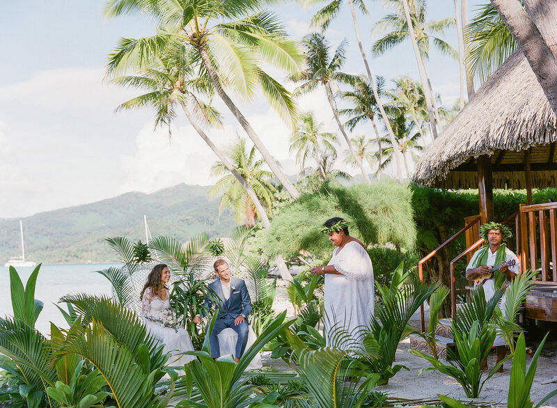 Wedding ceremony in le Tahaa island resort