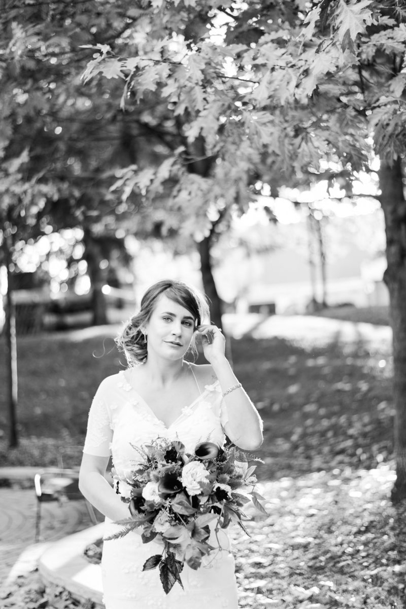 Black and white photo of a bride in philosophers walk