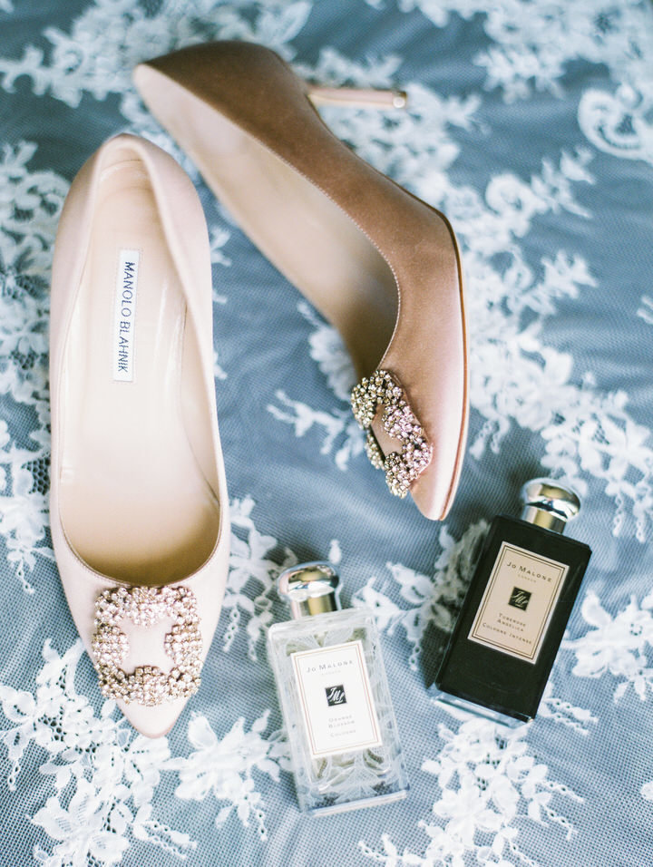 nude manolo blahnik wedding shoes