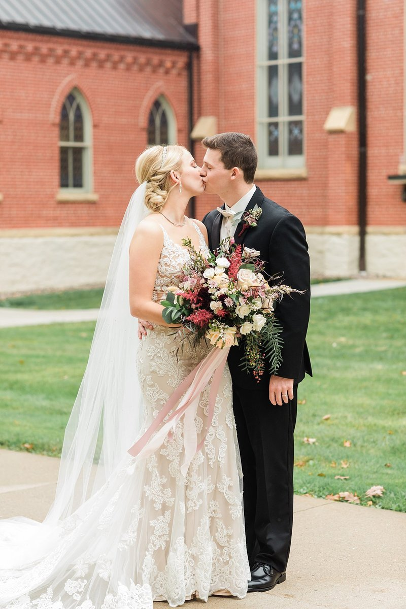 38-Wisconsin-Classic-Country-Club-Catholic-Wedding-James-Stokes-Photography