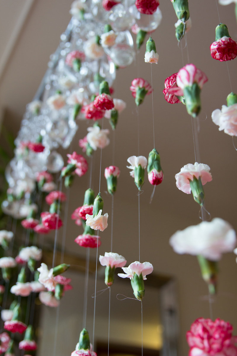 cascading-flower-garland-DIY-3