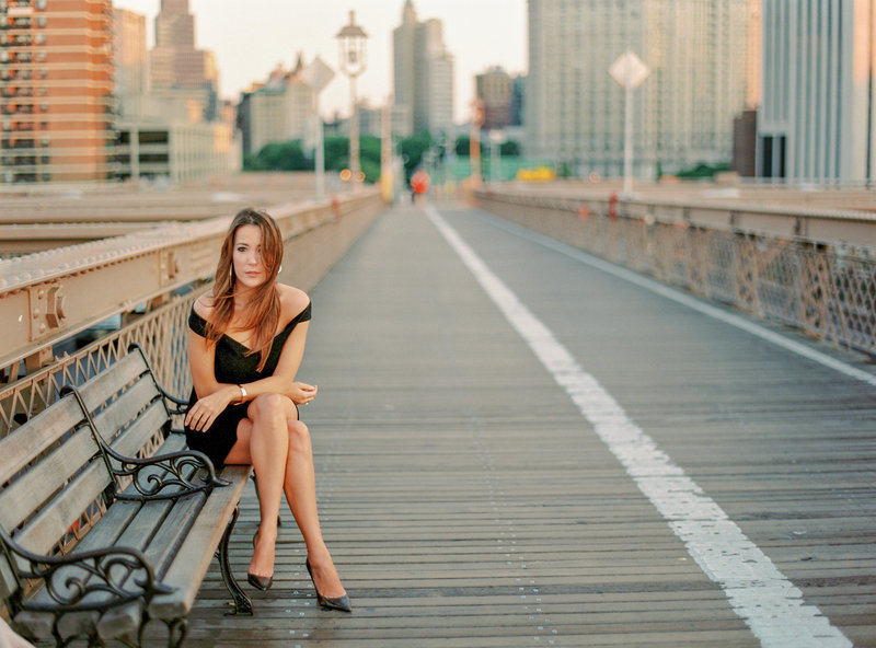 08-Brooklyn-Bridge-New-York-Public-Library-Engagement-Session