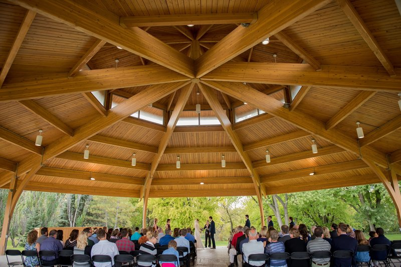 Fargo boho outdoor weddings by kris kandel photographer (2)