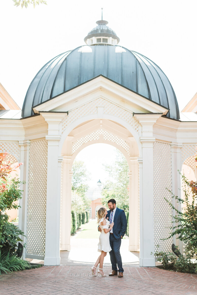 Patrick + Jessica-New Orleans-Botanical-Gardens-City-Park-Engagement-Photos_Gabby Chapin Photography_0074-73