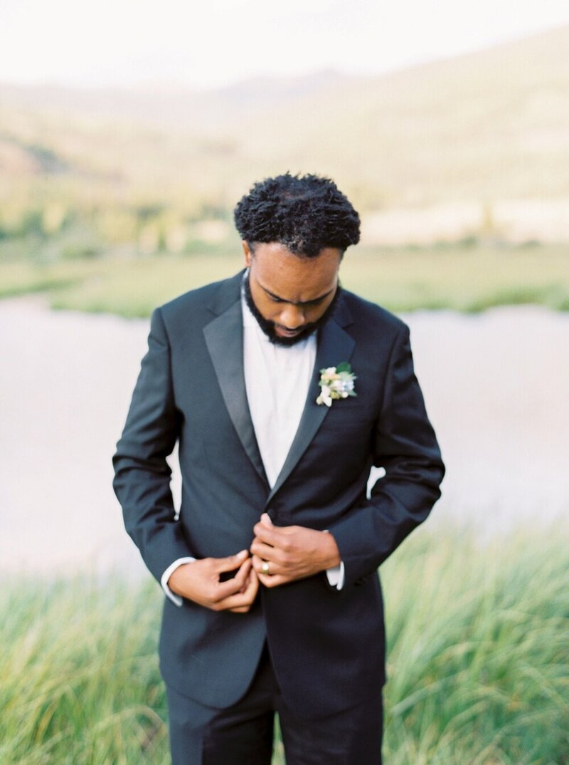 Refined and Organic Wedding in the Heart of Colorado_0023