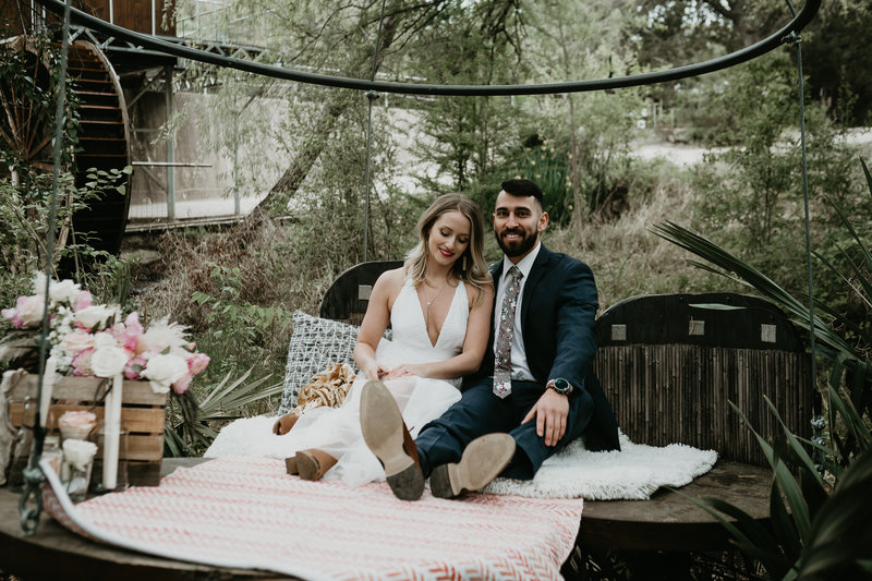 couple eloped in a treehouse