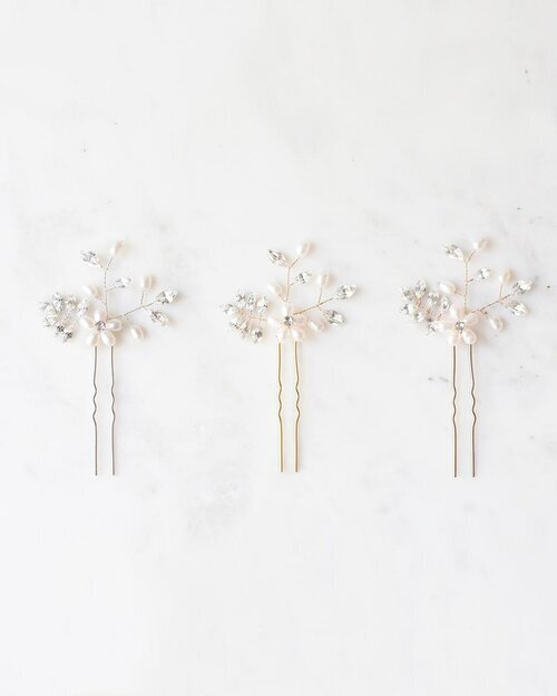 everthine-hair-pins-pearl-color-options-1b-atelier-elise_e2150633-455b-4572-a210-b731438a220f_800x