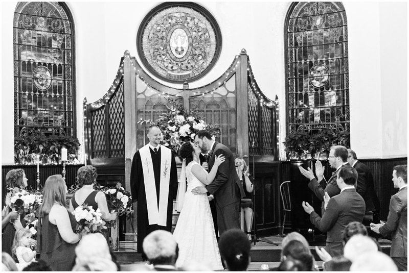 inman-park-methodist-church-upstairs-atlanta-wedding-photographer-christmas-wedding-laura-barnes-photo-042