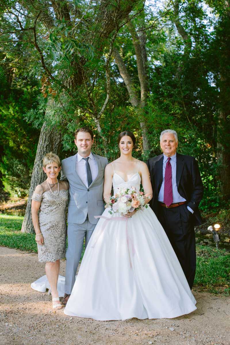 maggie-brent-pecan-spring-branch-wedding-contigo-ranch-frederickburg-55