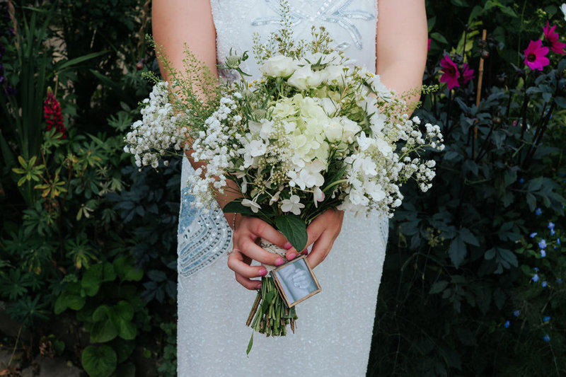 charlie-flounders-wedding-flowers-photography