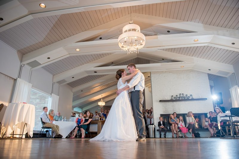 Grand Forks Country Club Wedding Venue kriskandel photographer (7)