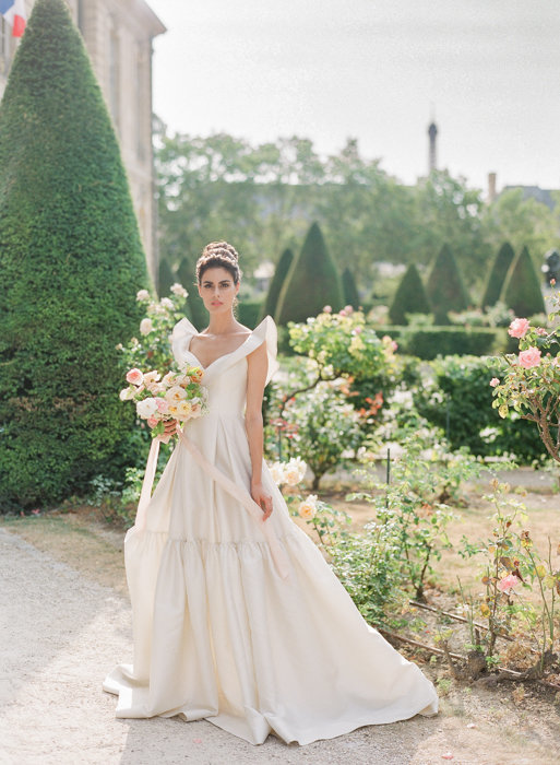 Molly-Carr-Photography-Paris-Film-Photographer-France-Wedding-Photographer-Europe-Destination-Wedding-Musee-Rodin-Luxury-Wedding-24