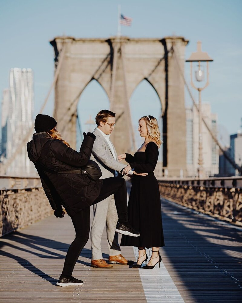Brooklyn Bridge engagement shoot behind the scenes