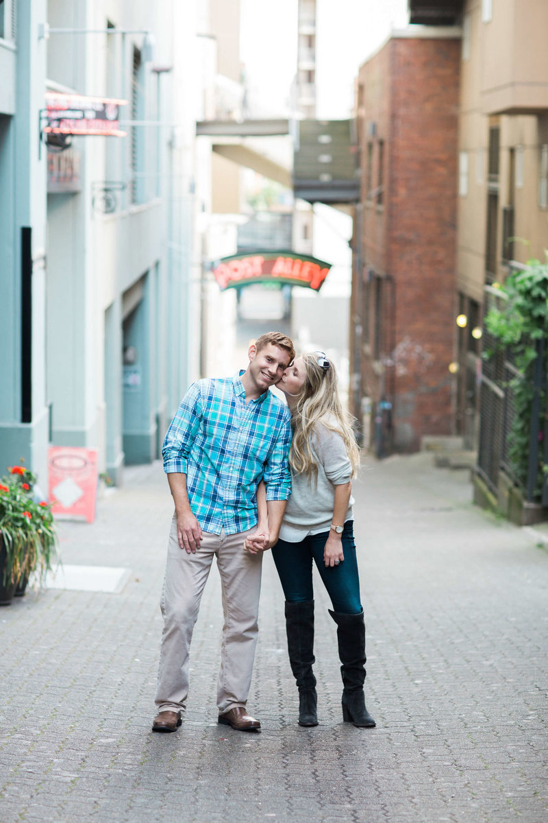 Seattle_Pike_Market_Engagement_Adina_Preston_Weddings_6