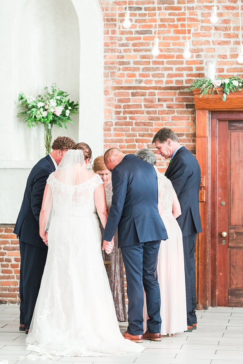 Wilmington-NC-Saint-Thomas-Preservation-Hall-Wedding26
