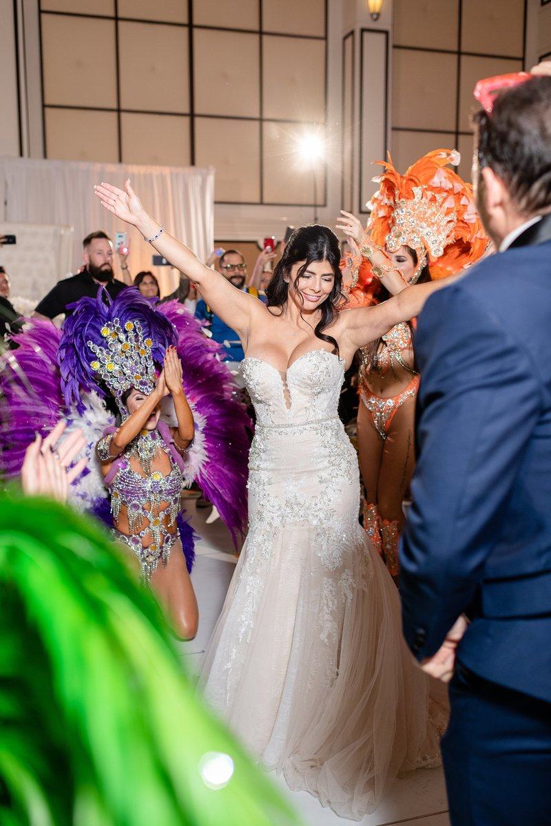 Bride dancing at wedding reception | Orlando Wedding Photographer