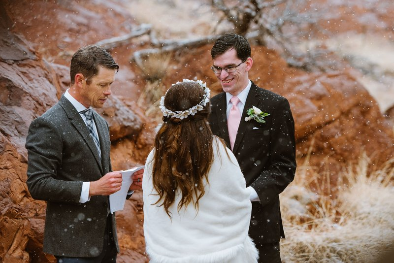 Elopement-Ceremony-Desert-Harbor