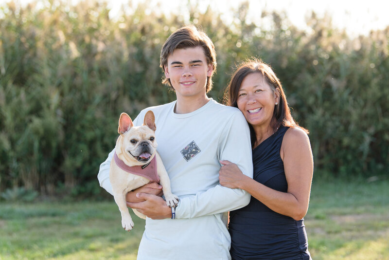Family-Mother-Son-Dog-Outdoor-Rye-New-York-Westchester-Summer-Photographer-002