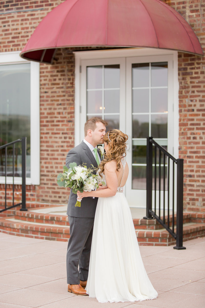 Bride and groom at Molly Pitcher Inn, Red Bank