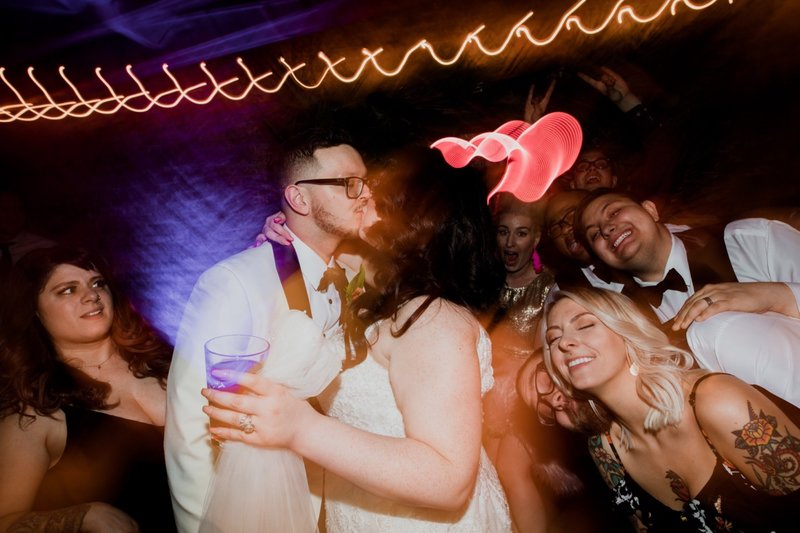 rhinegeist-neon-pink-tropical-wedding-172