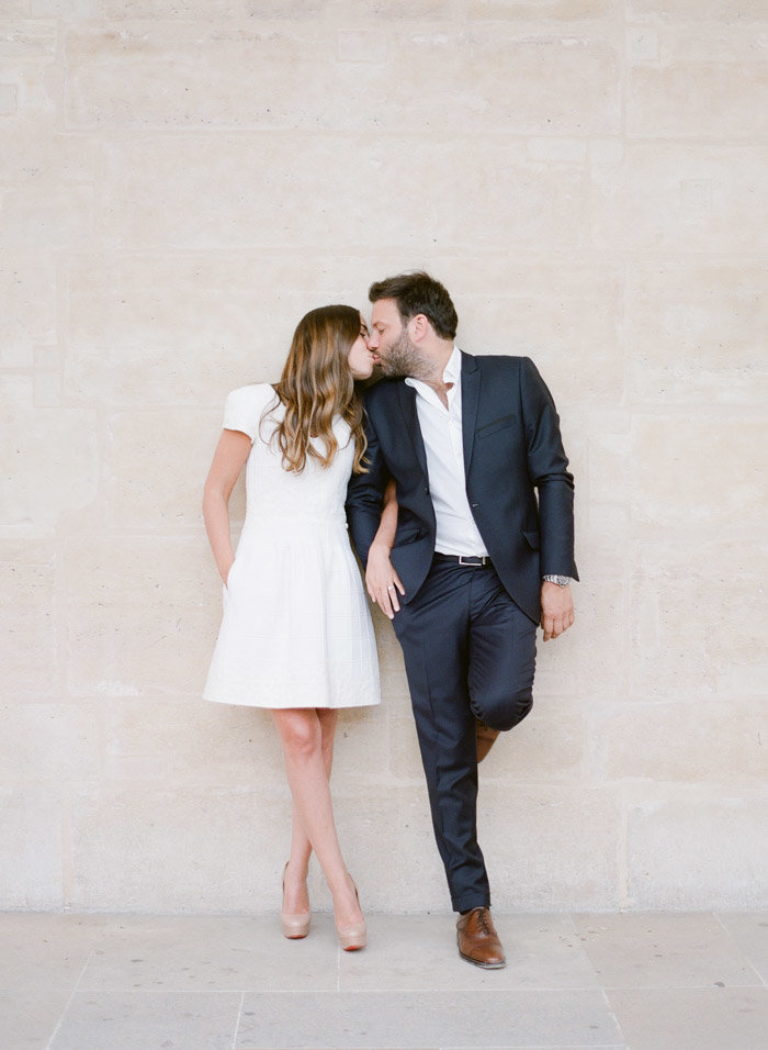 palais-royal-paris-engagement-photographer-jeanni-dunagan-14