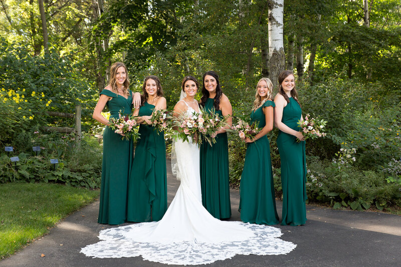 bridesmaids at green bay botanical
