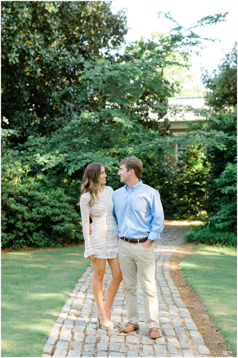 north-georgia-wedding-photographer-uga-founders-garden-engagement-athens-georgia-laura-barnes-photo-02