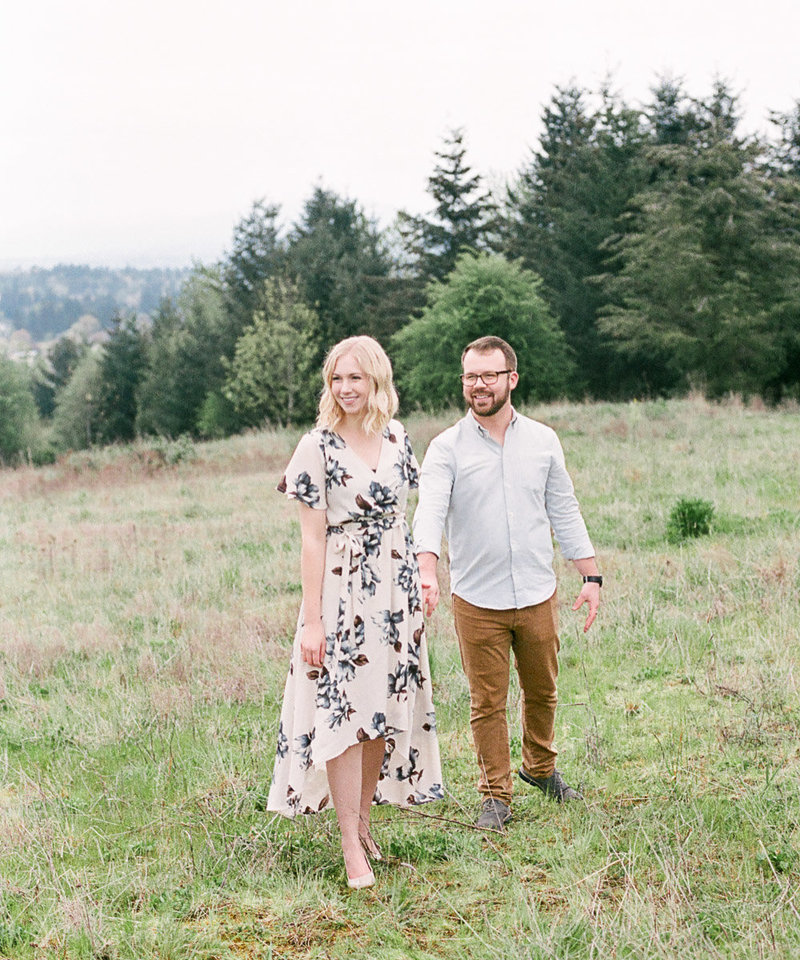 Oregon husband and wife wedding photographers
