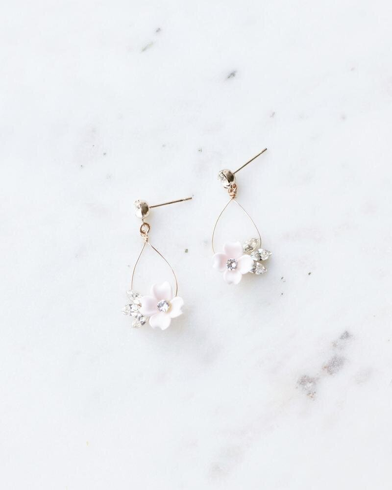 belle-fleur-earrings-rose-gold-blush-crystal-1-2400_800x