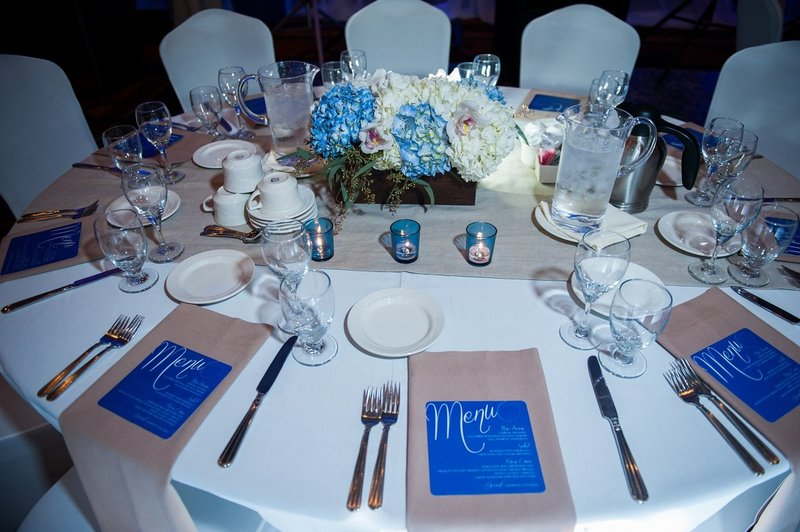 Ramada Plaza Wedding Venues in Fargo photos by Kris Kandel (10)